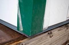 В основании павильона швеллер, обеспечивающий устойчивость конструкции