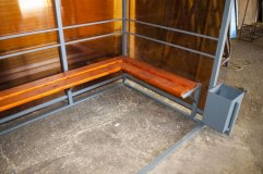 Павильон для курения комплектуется скамьей