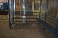 В основе павильона для курения КМ-11 сварной неразборный каркас из  стали