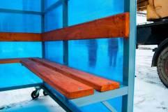 Скамья и спинка - деревянный настил с пропиткой морилкой и покрытием лаком