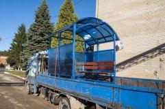 Подготовленный к транспортировке павильон для курения КМ-9