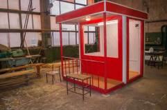 Отделка декоративными панелями красного цвета