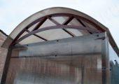 Декоративные элементы в боковых арках павильона