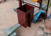 Урна прямоугольной формы в комплектации остановочного павильона