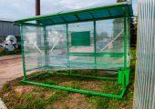 Внешний вид остановочного павильона ОМ-15 окрашенном в зеленый цвет