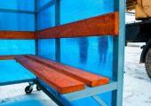Скамья и спинка — деревянный настил с пропиткой морилкой и покрытием лаком