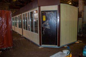 Расположение дверей в крайних модулях — зеркальное