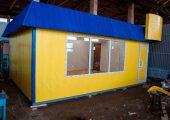В основании мини-магазина «У Дома» металлический швеллер, что обеспечивает устойчивость и дает прочную основу павильону
