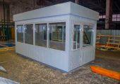 Внешняя отделка декоративными панелями белого цвета