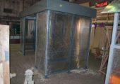 Отделка стен прозрачным сотовым поликарбонатом