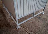 Закладные детали — подпятники — для  закреплления анкерными болтами изделия к несущей поверхности