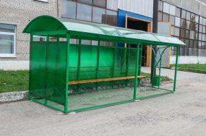 Остановочный павильон изготовлен из металлического сварного каркаса