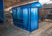 Остановочный павильон отделан сотовым поликарбонатом