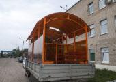 Доставка павильонов для курения также осуществляется газелью