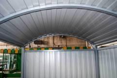 Крыша обшивается профилированным листом