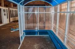Скамья - деревянный настил располагается по трем сторонам павильона