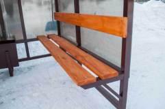 Скамья и спинка - деревянный настил с покрытием морилкой и лаком