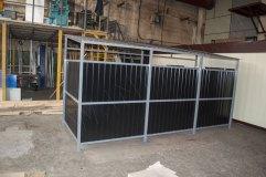 Каркас контейнерной площадки серого цвета