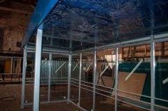 Крыша подшивается с нижней стороны листом сотового поликарбоната