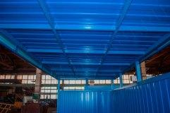 Крыша - профилированный лист монтируется на металлический профиль