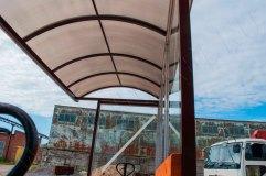 Крыша арочного типа с отделкой сотовым поликарбонатом