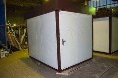 Дверь металлическая окрашена в цвет внешней отделки