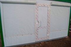 Защитные рольставни на окнах