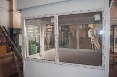 Окна располагаются по всем трем сторонам, что обеспечивает хорошую обзорность