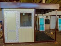 Пост охраны состоит из двух частей - помещение для сотрудников охраны и проходной части