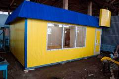 """В основании мини-магазина """"У Дома"""" металлический швеллер, что обеспечивает устойчивость и дает прочную основу павильону"""