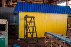Павильон состоит при своих размерах 6 на 4,6 метра для удобства транспортировки состоит из двух модулей