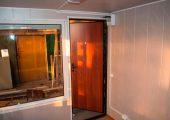 Металлическая входная дверь с глазком и замком