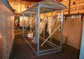 Крыша арочного типа обшивается сотовым поликарбонатом