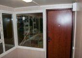 Внешний вид двери с внутренней стороны павильона