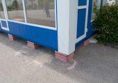 Важно чтобы модульный павильон при установке был выровнен по горизонтальной плоскости