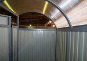 Крыша обшивается прозрачным сотовым поликарбонатом